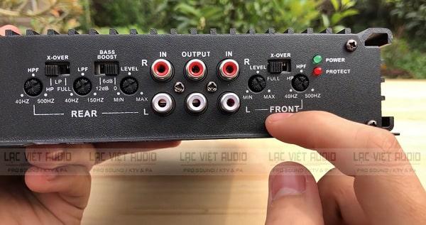 Cục đẩy công suất mini 12V thiết kế nhỏ gọn với các cổng kết nối tiện dụng, linh hoạt