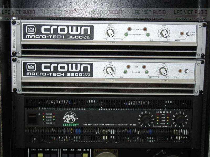 Cục đẩy Crown 3600 bãi là một cục đẩy công suất 2 kênh