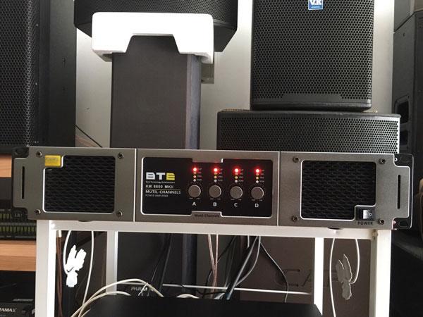 Cục đẩy công suất 4 kênh giá rẻ BTE KM 8600 MKII chất lượng tuyệt đối