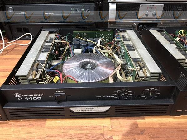 Cục đẩy công suất bãi Soundskill P-1400 chất lượng cao cả về thiết kế cũng như khả năng khuếch đại