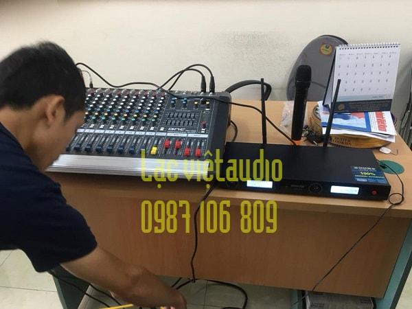 Hệ thống âm thanh với thiết bị đơn giản, chất lượng cao