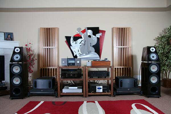 Loa là thiết bị vô cùng quan trọng trong hệ thống âm thanh Hifi