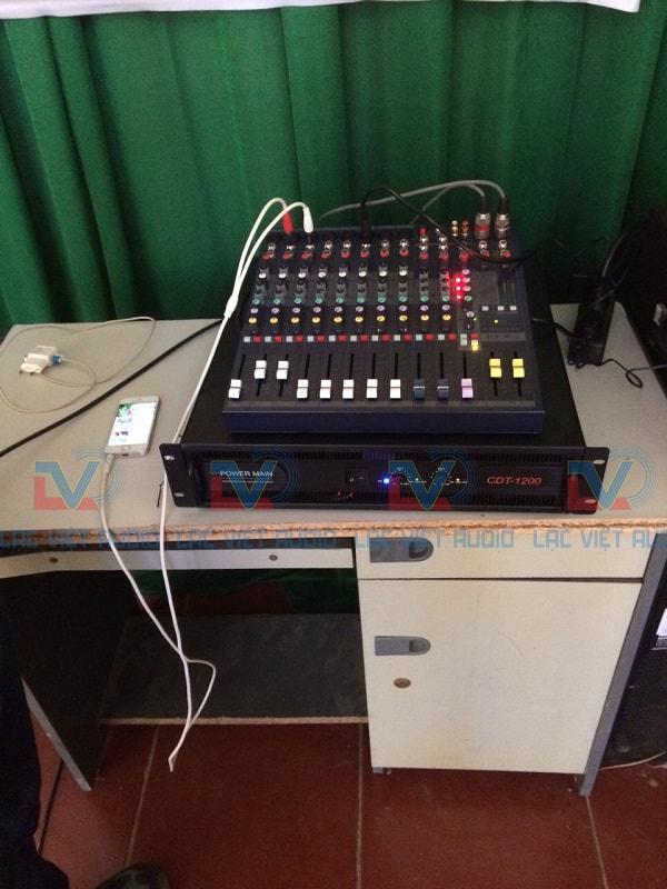 Bàn mixer soundCraft EFX 8 và cục đẩy CDT 1200