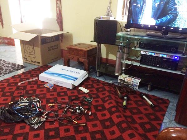Quá trình lắp đặt các thiết bị tại nhà anh Quân Phiệt