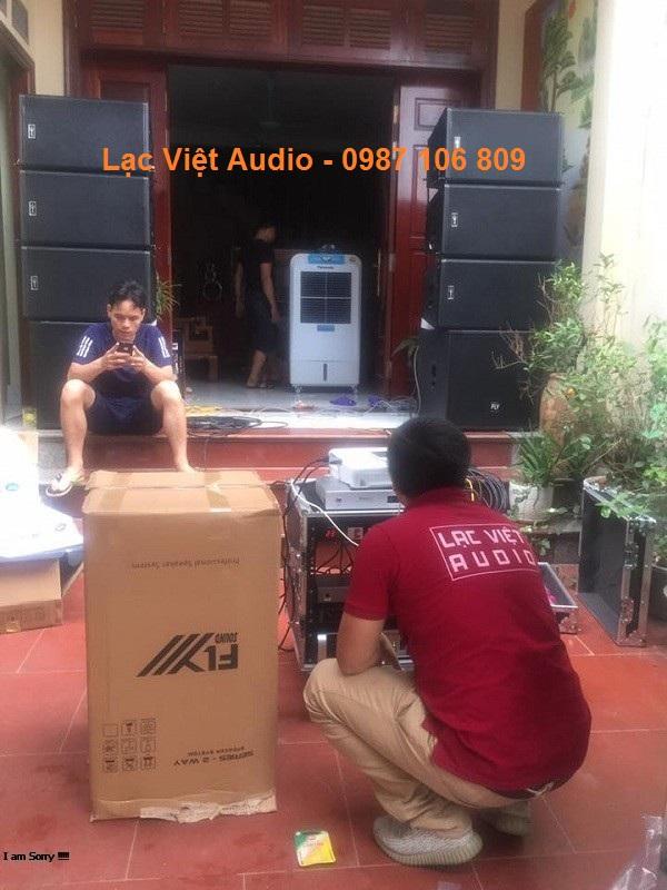 KTV Lạc Việt audio đang set-up dàn âm thanh