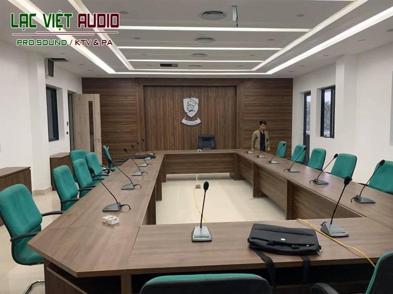 Lắp đặt hệ thống micro phòng họp cho trường cao đẳng Lý Thái Tổ