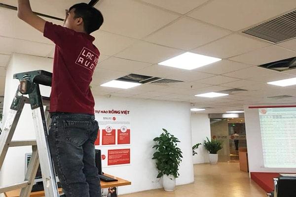 Lạc Việt Audio tiến hành lắp đặt hệ thống âm thanh cho công ty RV