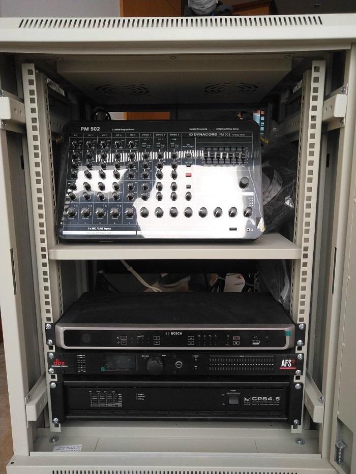 Thiết bị điều khiển được đặt tại khu vực kỹ thuật