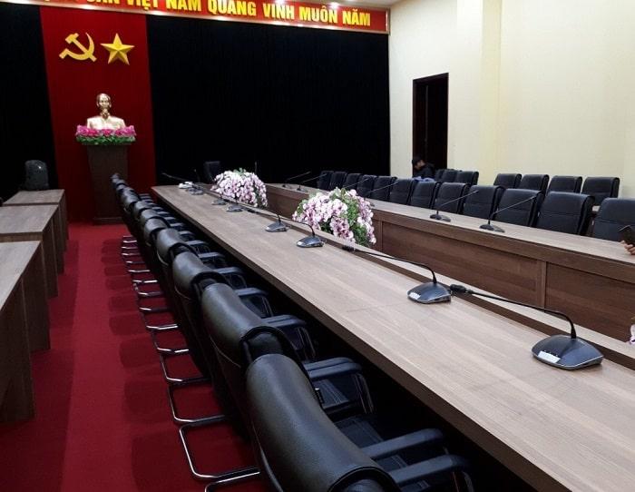 Thiết bị hội thảo chuyên nghiệp được kỹ thuật Lạc Việt lắp đặt chuyên nghiệp