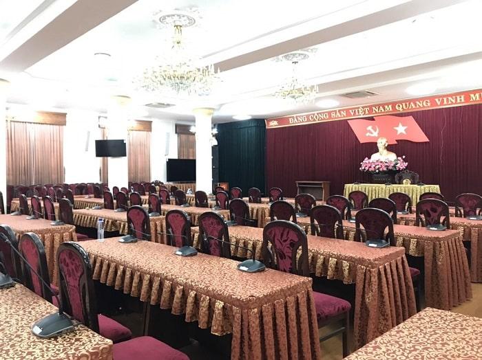 Lắp đặt micro hội nghị chuyên nghiệp cho khách hàng