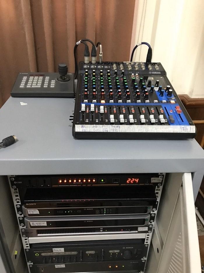 Hệ thống điều khiển được đặt ở khu vực kỹ thuật