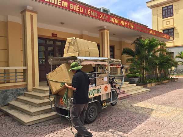 Hàng hóa được Lạc Việt Audio vận chuyển đến tận địa điểm lắp đặt