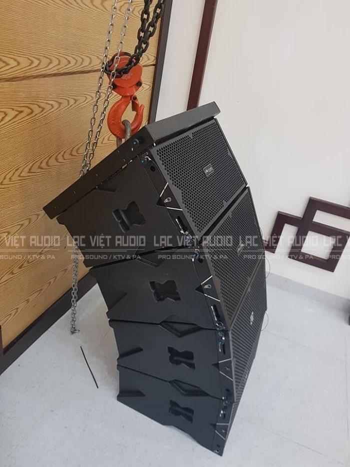 Loa array được kỹ sư âm thanh Lạc Việt treo với độ an toàn tuyệt đối