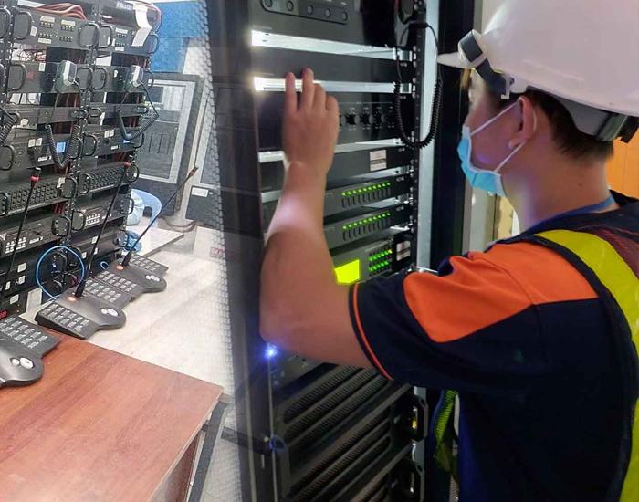 Hệ thống thiết bị được kỹ thuật viên Lạc Việt Setup kỹ càng trước khi hướng dẫn sử dụng cho khách hàng