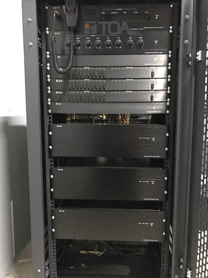thiết bị điều khiển được đặt trong phòng kỹ thuật