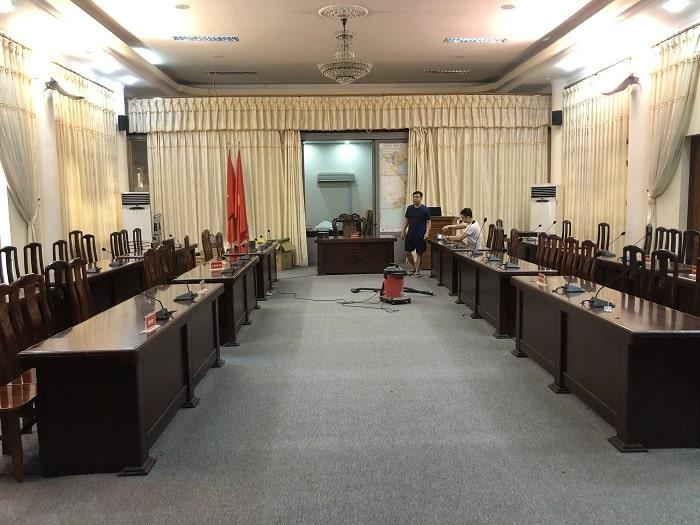 Hệ thống âm thannh phòng họp gồm 29 mic đại biểu và 1 mic chỉ tọa
