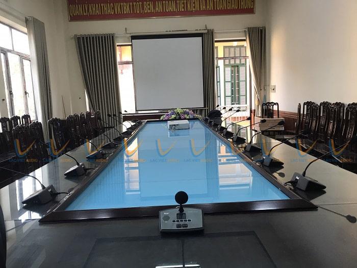 Phòng họp sử dụng 20 mic đại biểu và 1 mic chủ tọa của Nuoxun