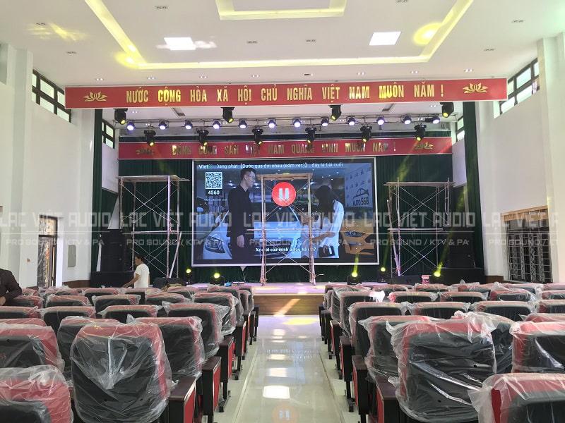 Hệ thống âm thanh và ánh sáng chuyên nghiệp cho hội trường UBND huyện Chi Lăng