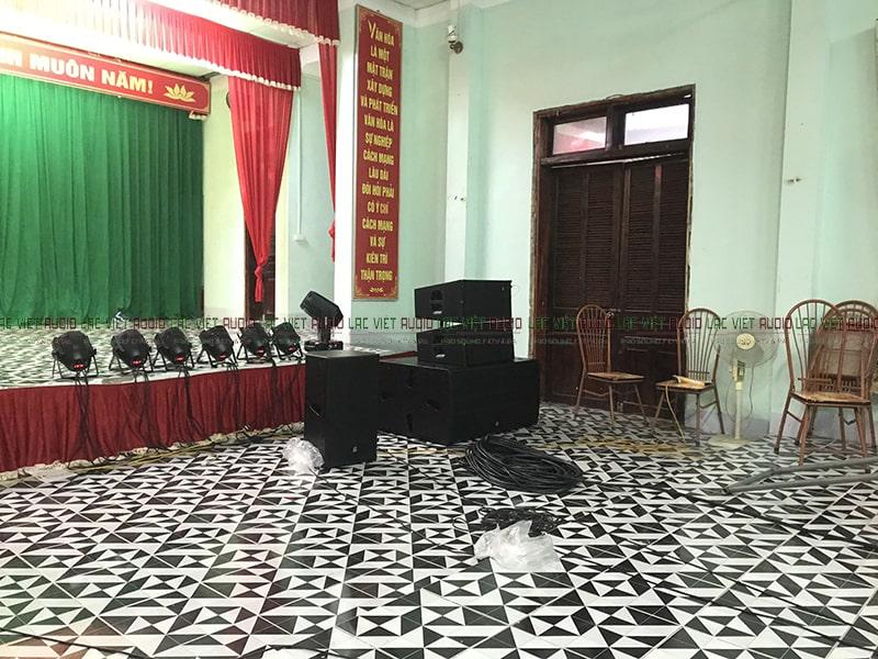 Ở hội trường trong nhà TTVH huyện khi lắp hệ thống âm thanh hoạt động rất tuyệt vời