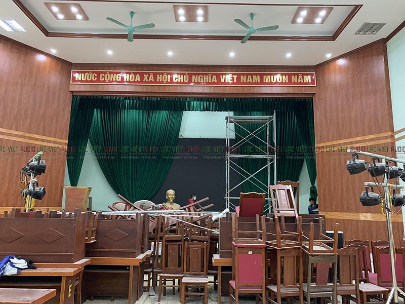 Hội trường trước khi thi công
