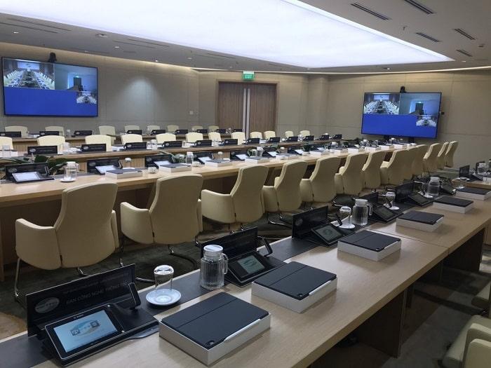 Hệ thống sử dụng micro hội nghị cao cấp được Lạc Việt Audio cung câp