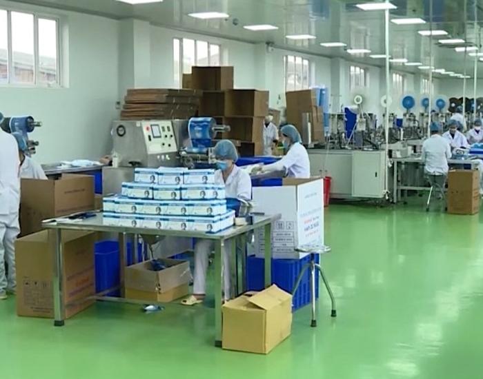 Một khu vực trong phân xưởng được lắp đặt hệ thống loa âm trần thông báo