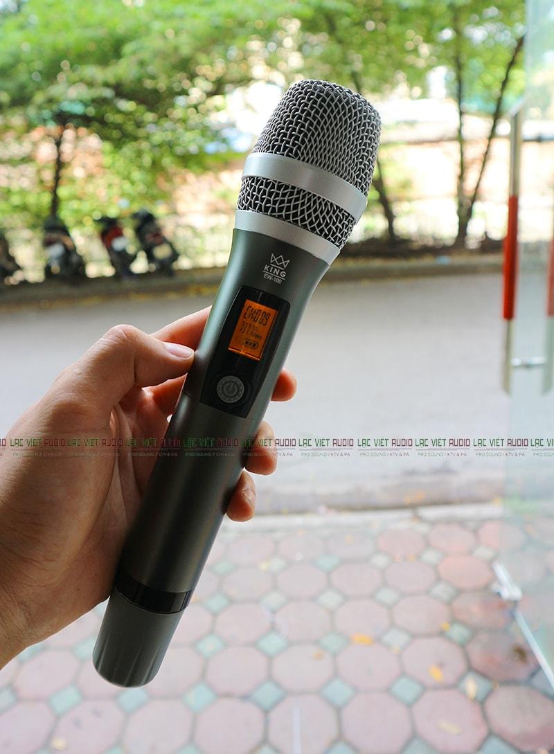 Tay mic King EW 200