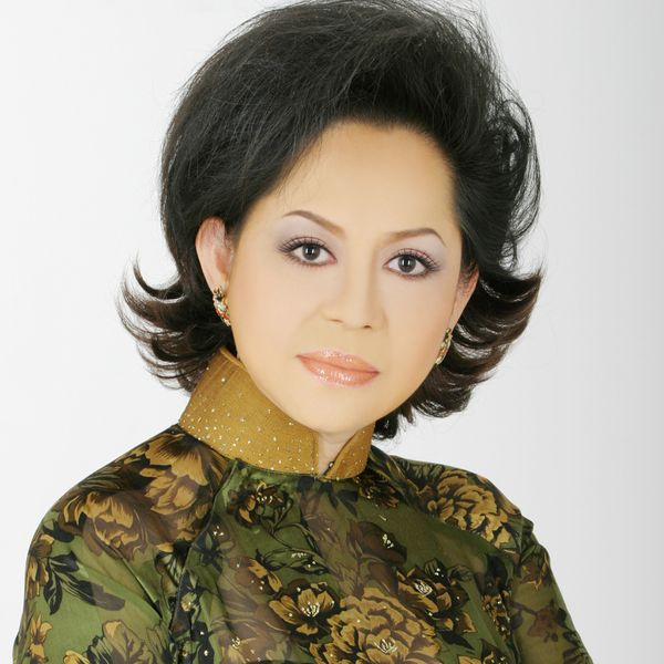 Ca sĩ Giao Linh