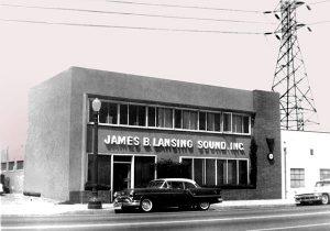 Hãng loa JBL của nước nào sản xuất?