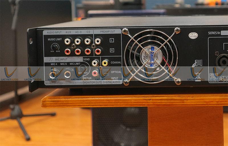 Hệ thống jack kết nối của King SA 900