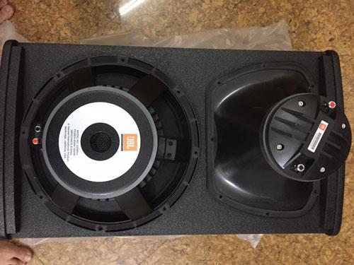 Hình ảnh của bass treble của loa JBL KP 6012