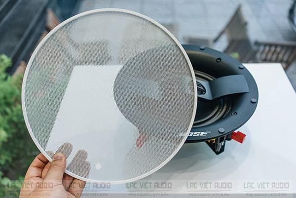 Loa âm trần Bose Virtually Invisible 791 cho khả năng cung cấp âm thanh bao trùm toàn bộ không gian