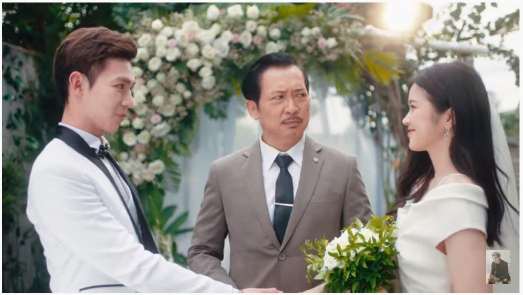 Hình ảnh khoác trên mình trang phục cưới của Erik và Suni Hạ Linh