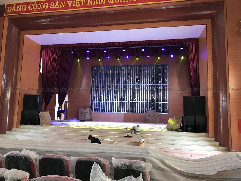Hệ thống loa sân khấu