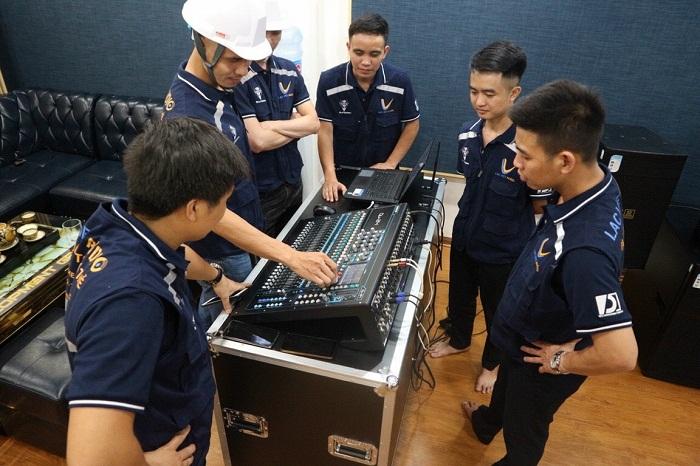 Lạc Việt Audio tư vấn và hướng dẫn miễn phí sử dụng âm thanh hội trường cho tất cả các khách hàng