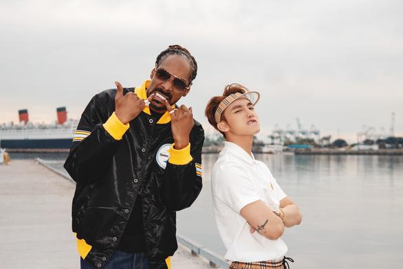 Một sản phẩm kết hợp với Snoop Dogg
