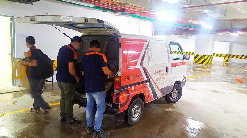 Lạc Việt Audio vận chuyển thiết bị đến nơi lắp đặt