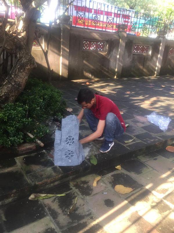 Lắp đặt loa giả đá cho nhà chùa