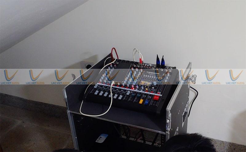 Lắp đặt Mixer cho phòng họp