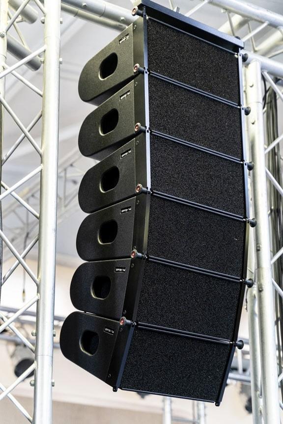 Loa array PL-audio LA 206 được sản xuất tại Đức