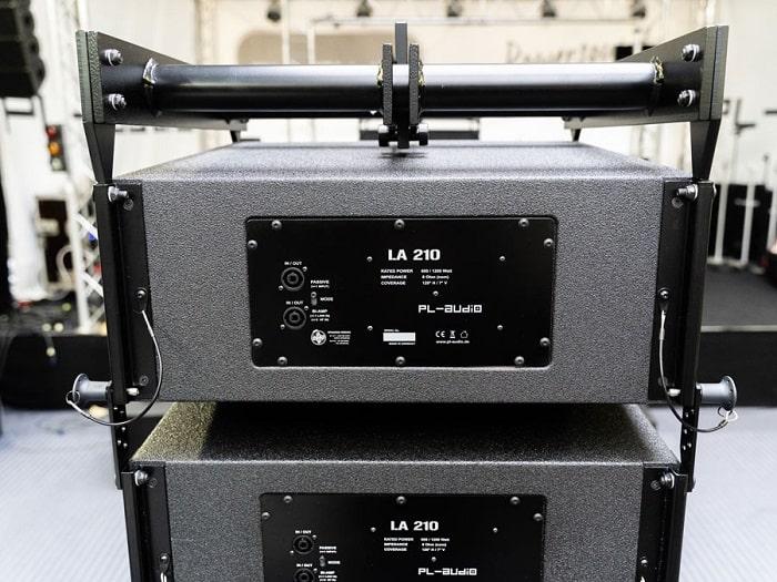 Mặt sau PL-audio LA210