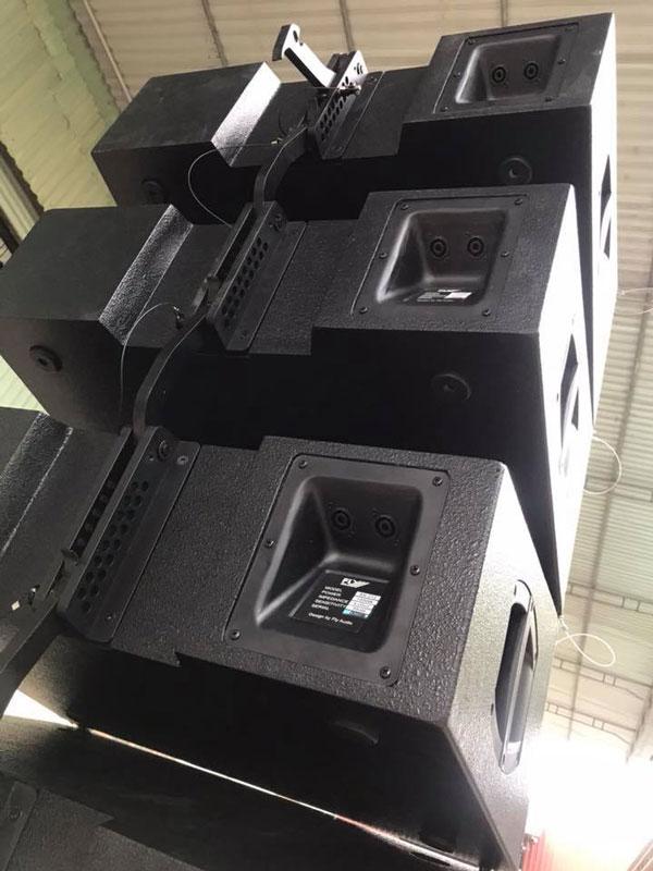 Mặt sau loa array Fly Ar1020 được thiết kế tinh xảo đẹp mắt