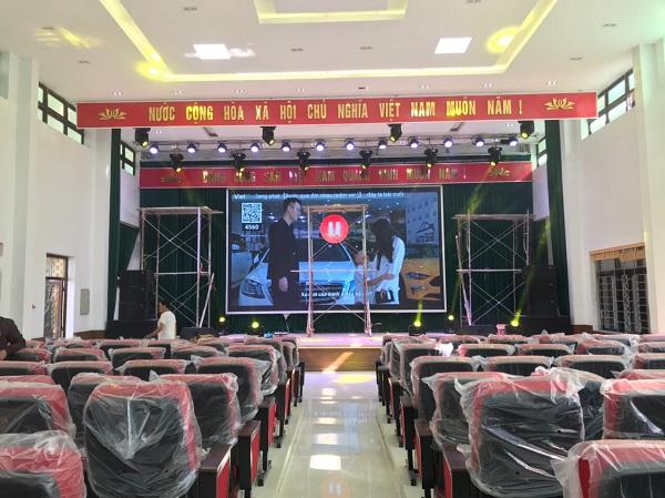 KING LA15 Sử dụng cho hội trường sân khấu trong nhà