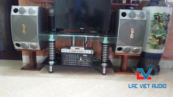 Loa BMB 1000 bãi được sử dụng cho dàn karaoke gia đình