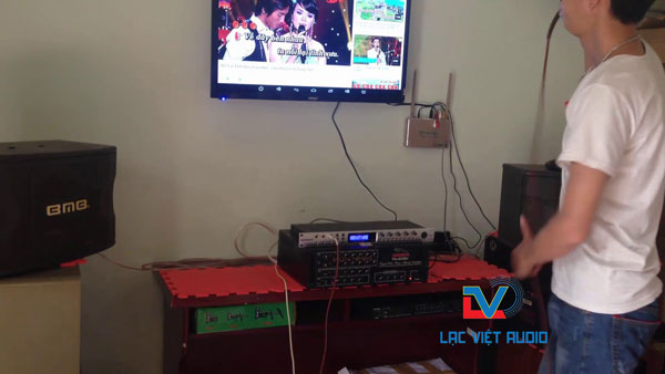 Loa BMB 450 bãi thường được sử dụng cho dàn karaoke gia đình