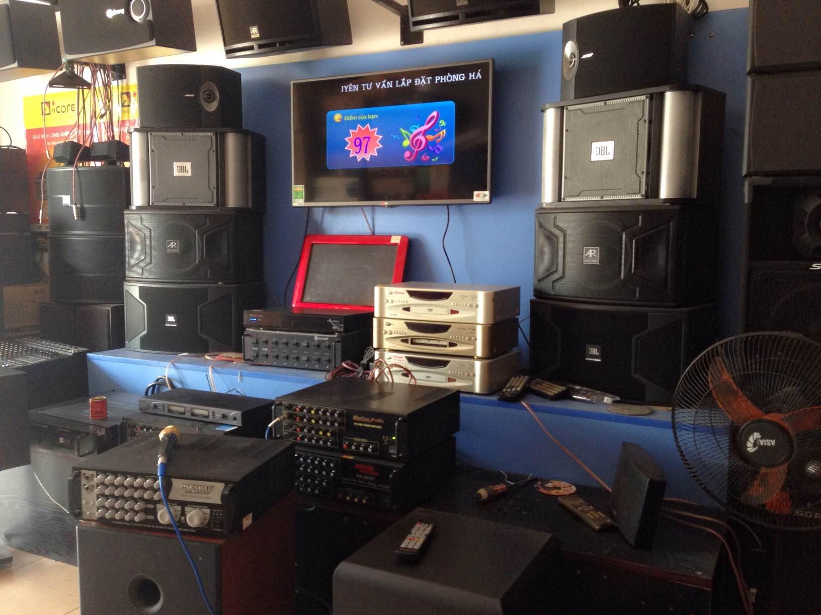 Loa BMB 850 tại cửa hàng