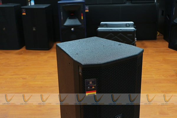 Loa karaoke EUDAC EV-12 hoạt động với mức công suất lớn