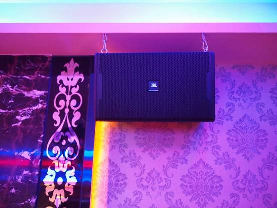 Loa JBL KP 4012 là sự lựa chọn tuyệt vời cho phòng karaoke chuyên nghiệp