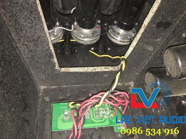 Kèn kép 3 của loa Array JBL VRX932