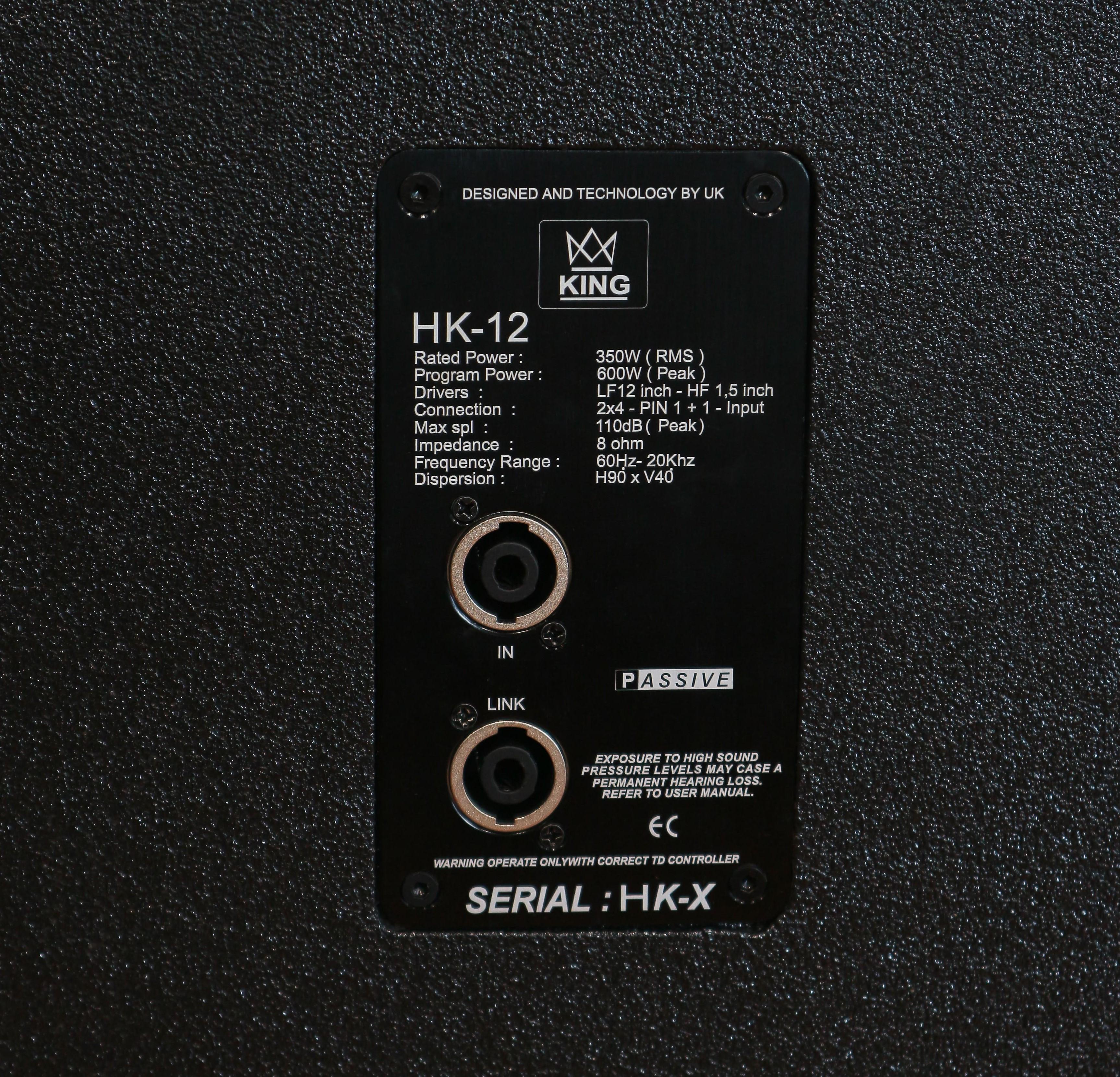 Loa King HK12 có hệ thống Jack kết nối tại mặt sau